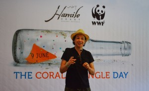 "International Celebrity Chef Bobby Chinn addresses the crowd at Hamilo Coast in Batangas. ""As seafood consumers, we all have a responsibility to ensure that the fish we eat comes from sustainable sources.""(Gregg Yan / WWF-Philippines)"
