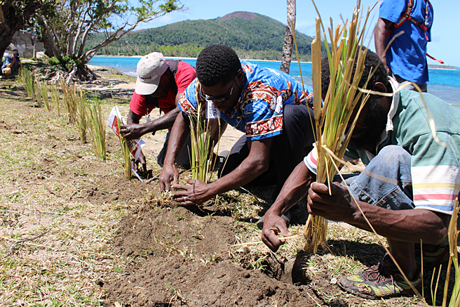 Hands-on Workshop Switches Vanuatu ON to Climate Change